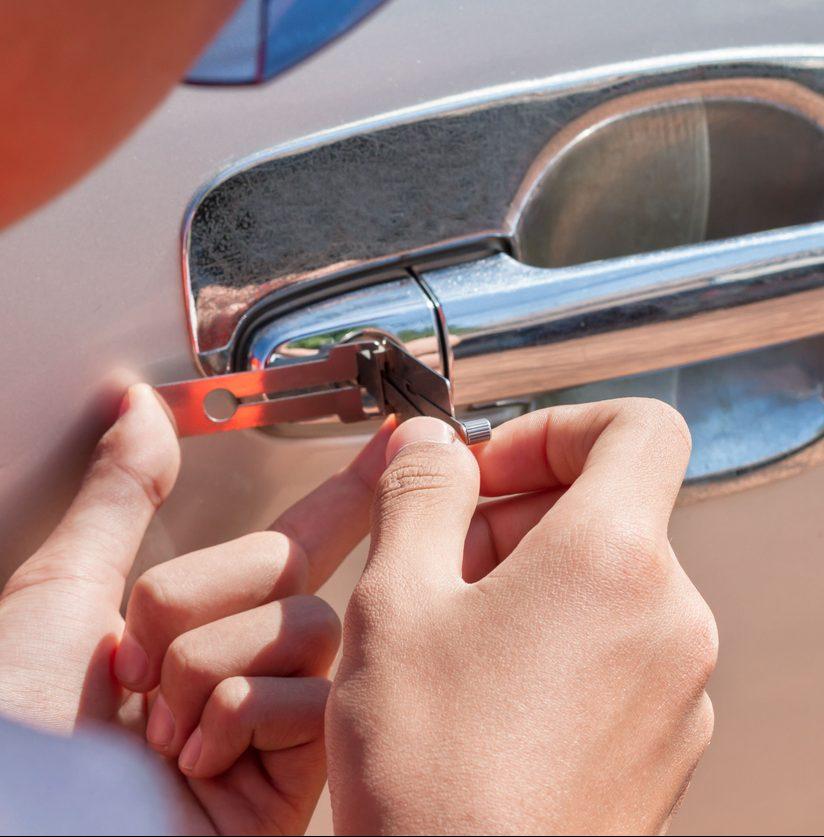 Schadenfreie Öffnung von Fahrzeug